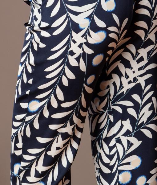 Pantalon vaporos din vascoza imprimata (4)