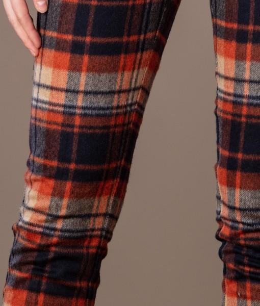Pantaloni conici din lana in carouri (1)