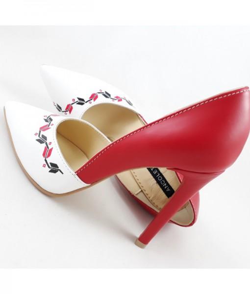 pantofi-cu-motive-traditionale-pictati-manual-pantofi-pe-comanda