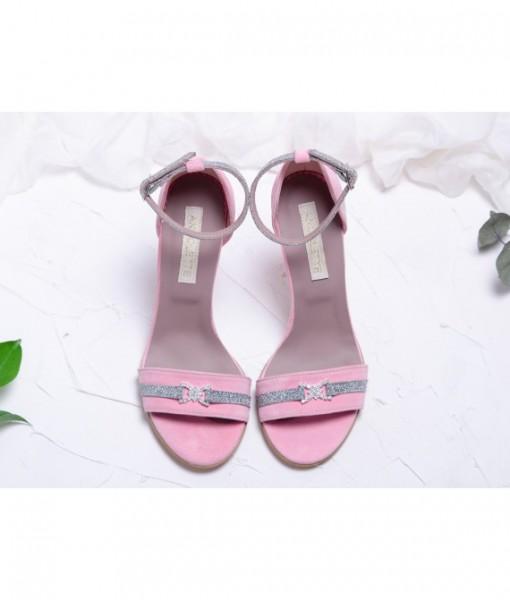 sandale-roz-pastel-cu-accesoriu-cu-pietricele-piele-naturala