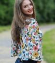 bluza-cu-maneci-foarte-largi-imprimeu-alb-cu-flori (2)