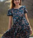 rochie-lejera-cu-maneca-scurta-bleumarin-cu-imprimeu