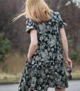 rochie-lejera-cu-maneca-scurta-negru-cu-imprimeu (5)