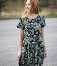 rochie-lejera-cu-maneca-scurta-negru-cu-imprimeu (7)