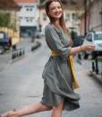 rochie-midi-din-vascoza-plina-kaki-prafuit (1)