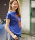 tricou-albastru-electric-despicat-pe-lateral-cu-pisica-etnica-