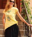tricou-galben-despicat-pe-lateral-cu-pisica-etnica (1)