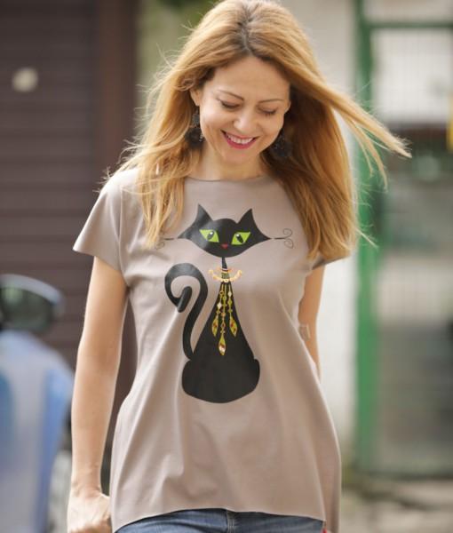 tricou-greige-despicat-pe-lateral-cu-pisica-neagra-cu-margele-boho (2)