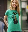 tricou-verde-despicat-pe-lateral-cu-pisica-neagra-cu-margele-boho (3)